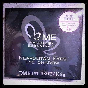 ME Makeover Essentials - Eyeshadow Pallet